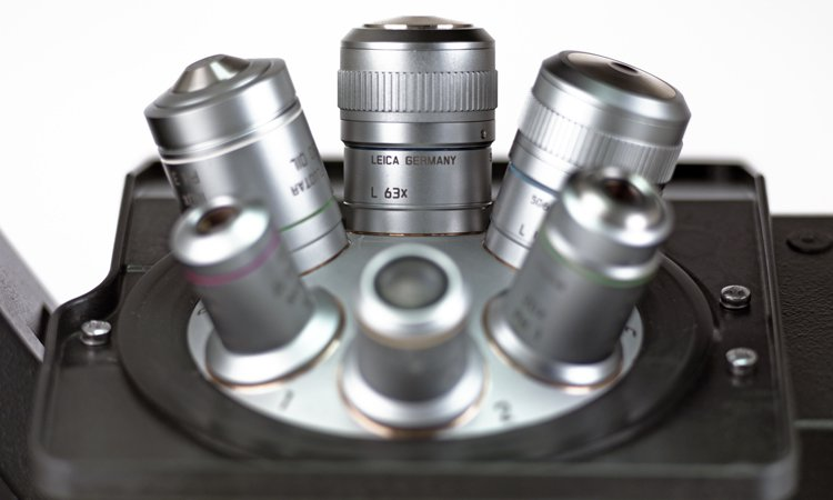 Leica DMi8 objective turret
